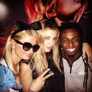 lil-wayne-performs-paris-hilton-birthday-party-gets-new-face-tattoo6