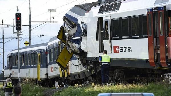 843635-switzerland-train-collision