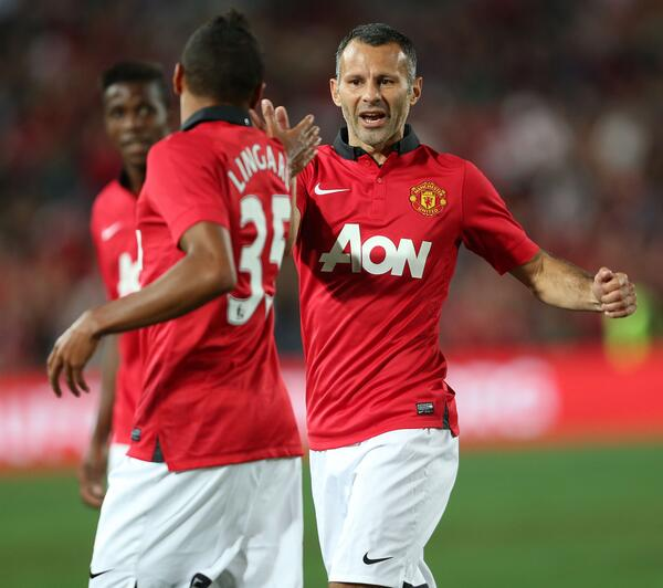 Giggs Congratulates Lingard After Scoring.