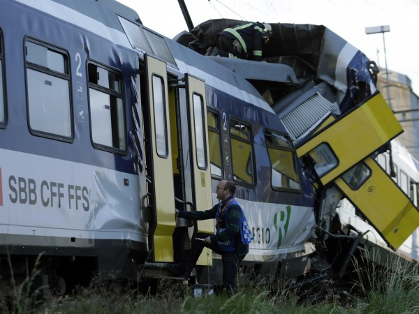 trains-collide-in-switzerland-at-least-40-injured
