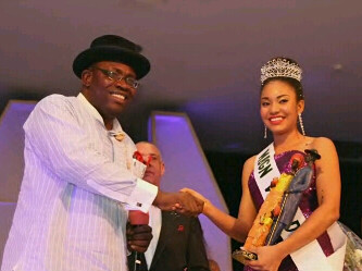 MBGN 2013 IN WARM HANDSHAKE WITH GOV. DICKSON OF BAYELSA STATE