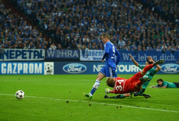 Torres Scores a neatly Taken Second Goal for Chelsea.
