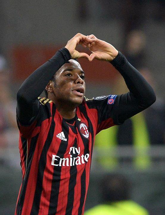 Robinho Celebrates Milan's Goal.