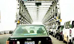 Traffic_jam_on_the_Niger_Bridge_at_Onitsha__Anambra_State
