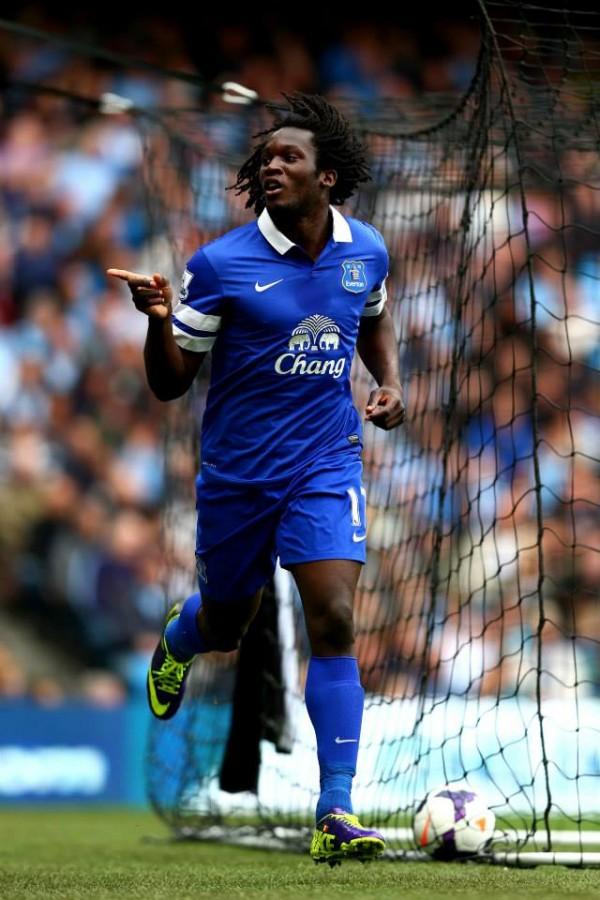 Romelu Lukaku Celebrates Scoring for Everton in an English Premier League Match.
