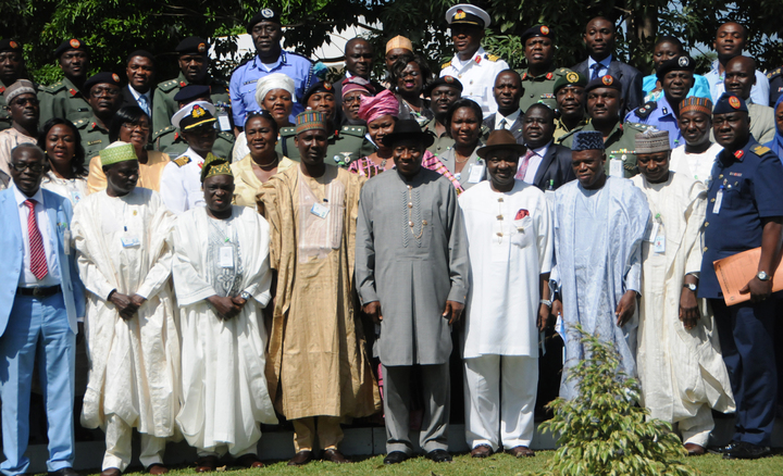PRESIDENT GOODLUCK JONATHAN (M) AND VICE-PRESIDENT NAMADI SAMBO WITH MEMBERS OF NATIONAL INSTITUTE FOR POLICY AND STRATEGIC STUDIES SENIOR EXECUTIVE COURSE 34 IN ABUJA