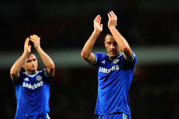 Franck Lampard and John Terry Applauds Fans After the 0-0 Draw at the Emirate Stadium.