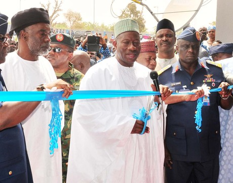 FROM LEFT: CHIEF OF DEFENCE STAFF, AIR MARSHAL ALEX  BADEH; GOV. MURTALA NYAKO OF ADAMAWA;  PRESIDENT GOODLUCK JONATHAN; CHIEF OF AIR STAFF, AIR VICE MARSHAL ADESOLA AMOSU AND SUPERVISING MINISTER OF DEFENCE, MR LABARAN MAKU, DURING THE INAUGURATION OF AIR FORCE COMPREHENSIVE SCHOOL IN YOLA IN JANUARY