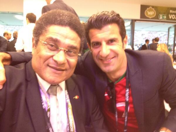 Figo Pays Pictured with the Legendary Eusebio.