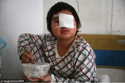 chinese_schoolboy_slapped