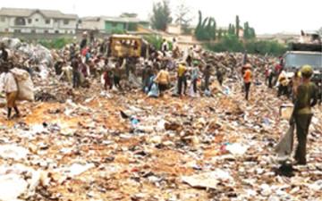 undergraduates-make-fortune-scavenging-in-lagos-waste-dump-360x225