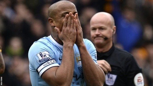 Vincent Kompany Distraught After Referee Lee Mason's Sending Off.