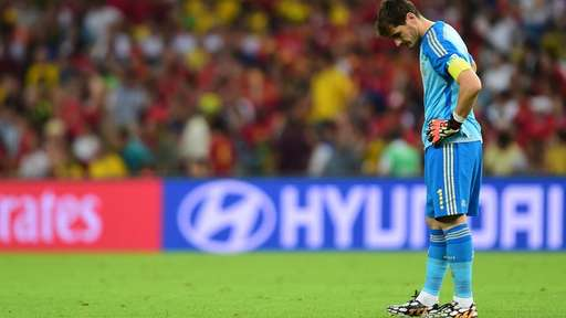 Iker Casillas Buries His Head After Another Error Against Chile. Image: Getty.