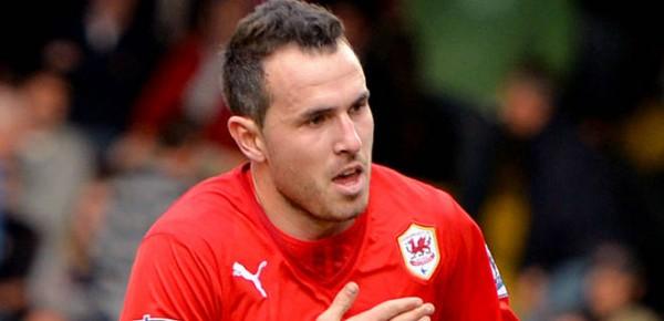 Jordon Mutch Pens a Four-Year Deal at Loftus Road.