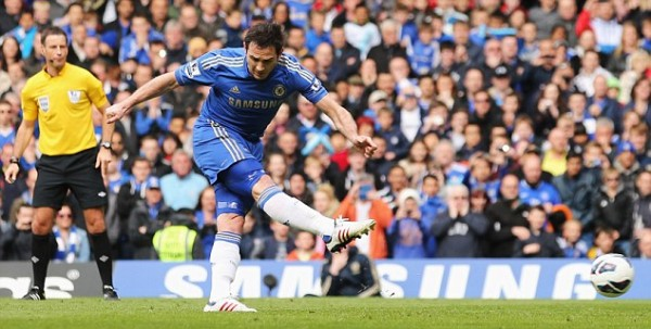 Lampard Scores a Penalty Against Swansea City. Image: (Photo by Ian Walton/Getty Images)