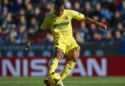 Uche Scored in Villarreal's 1-1 Draw at Monchengladbach But Suffered a Knock.