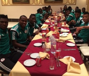 Super Eagles enjoy a team meal after defeating Congo