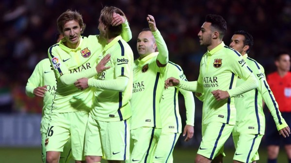 Ivan Rakitic Celebrates With Team-Mates After Opening Scores in Huesca. Image: FC Barca