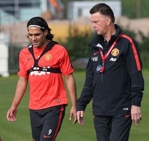 Louis an Gaal and Radamel Falcao in Intimate Dialogue Before Training. Image: MUFC via Getty.
