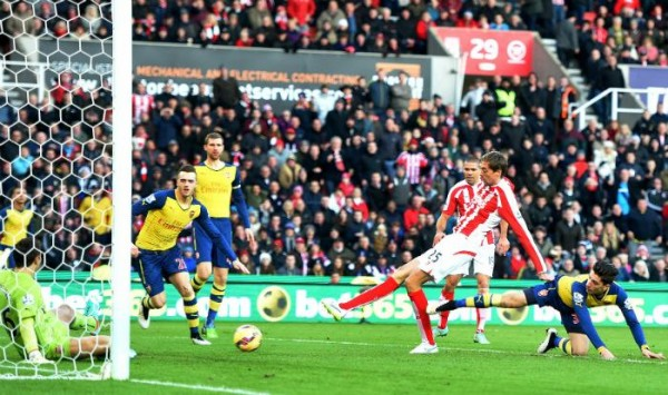 Peter Crouch Open Scoring Against Arsenal After 19  Seconds. Image: Getty.