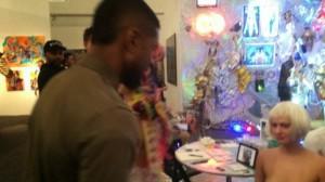 Usher Raymond Plugs iPhone Into Woman's VeeJayJay