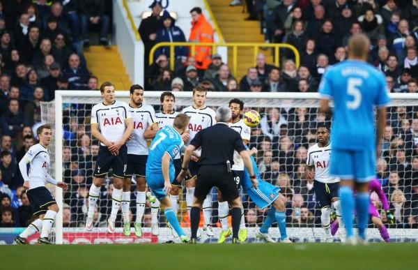 Seb Larsson Scores His 11th Premier League Direct Free-Kick Against Spurs. Image: Getty.