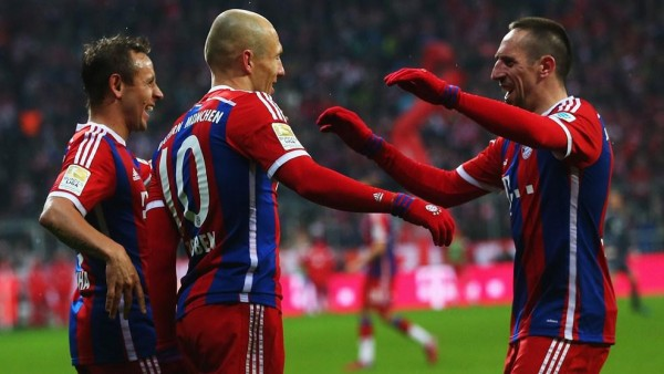 Arjen Robben Celebrates His Goal With Team-Mates. Image: Getty.