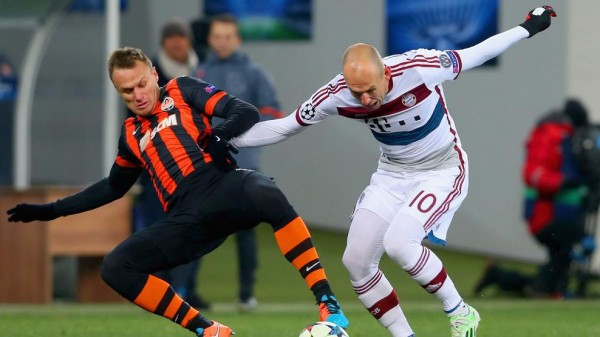Arjen Robben Trying to Find His Way Into Shakhtar Goal Area. Image: Getty.