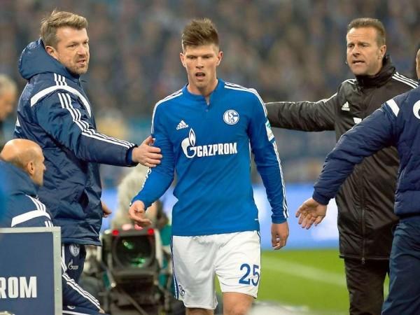 Klaas-Jan Huntelaar Sent Off for the First Time in Germany.