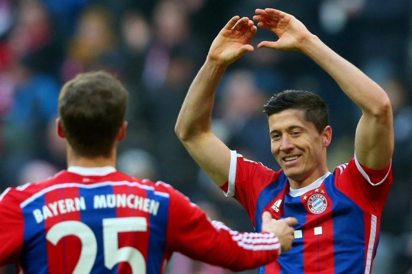 Robert Lewandowski Celebrates Scoring in the 8-0 Rout of Hamburger SV at the Allianz Arena. Image: Getty.