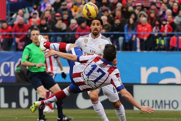 Spaniard Saul Niguez Scores a Superb Overhead Kick Against Real Madrid. Image: Getty.