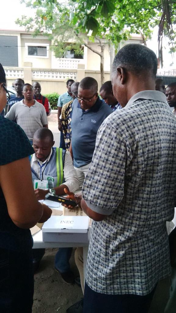 World's richest black man Aliko Dangote casting his vote