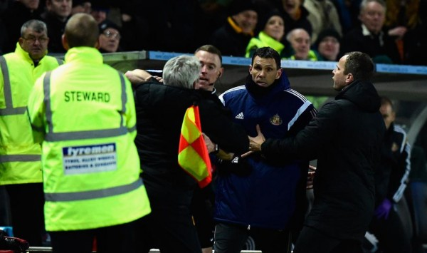 Gustavo Poyet and Steve Bruce Indulge in Touchline Argument. Image: Getty.