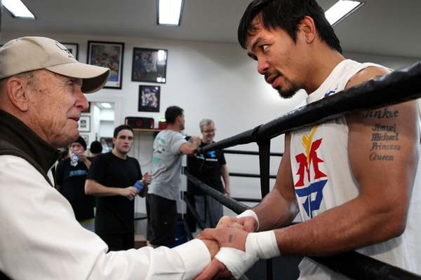 Academy Award-Winning Actor and Director Robert Duvall at the Wild Card Boxing Gym, California, to Wish Manny Pacquaio Luck. Image: Chris Farina/Top Ranks.