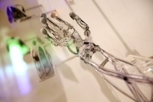 The-Terminator's-mechanical-arm-created-by-3D-printer-which-is-adopted-transparent-plastic-personalized-design