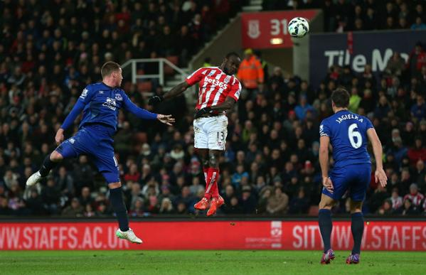Victor Moses Thumps Home a Sumptuous Header Against Everton. Image: AFP/Getty.