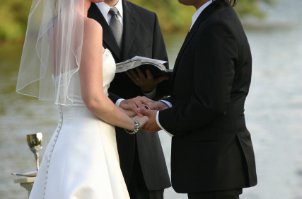 10 Honest Marriage Vows You Never Hear At Weddings