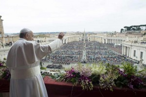 Pope-Francis-Easter-1-L