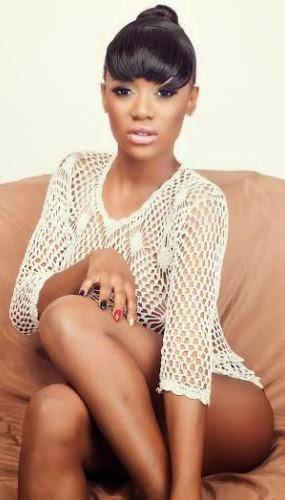 singer-model-sefiya-goes-3
