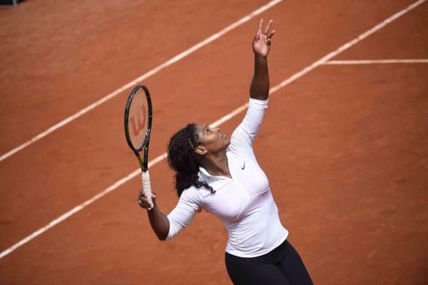 Serena Williams Advance at the French Open. Image: Getty.