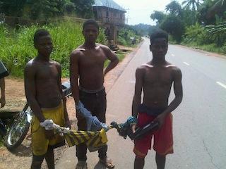 Teenage-Robbers-Arrested-In-Anambra-State-From-Left-Onyedika-Ifesinachi-middle-Chima-David-Right-Kosi-Ebosie