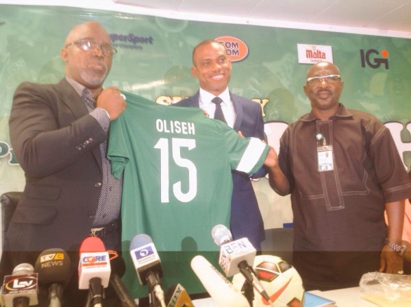 Sunday Oliseh Says He is Not Coming as a Messiah. Image: NFF.