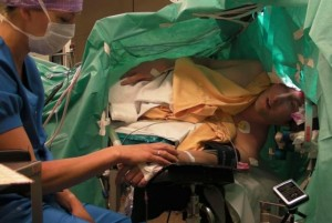 Opera-performer-sings-through-his-own-brain-surgery