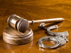 gavel-and-cuffs