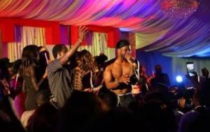 Peter-Okoye-on-a-solo-night-in-abj