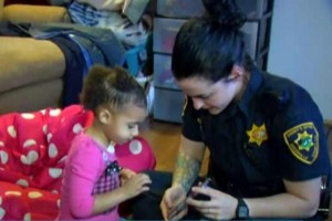South-Carolina-girl-2-calls-911-for-help-putting-on-pants