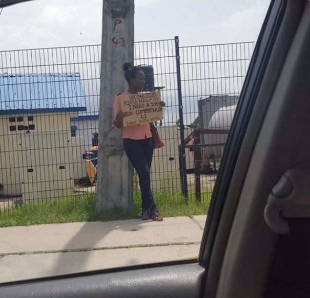 https://mynaijainfo.com/now-trending-unemployed-graduates-flooding-nigerian-streets-placards