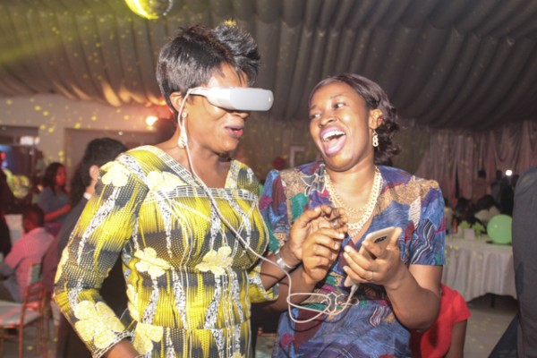 M.D, OKAY FONES AND MRS GLORY ADEGBAMIGBE EXPERIENCING LG G5