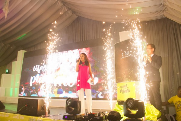 TOKE MAKINWA AND MR. S.H KIM UNVEILING LG G5