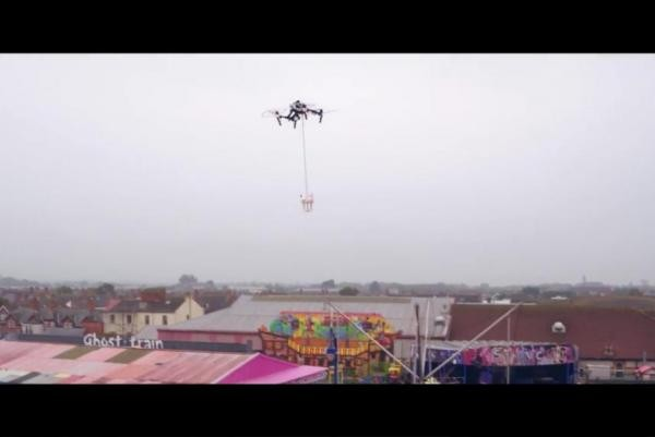 Ice-cream-shop-experimenting-with-drone-delivery-on-the-beach